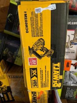 DeWalt 18 GA Flooring Stapler Kit 20V MAX DCN682M1 *BRAND NE